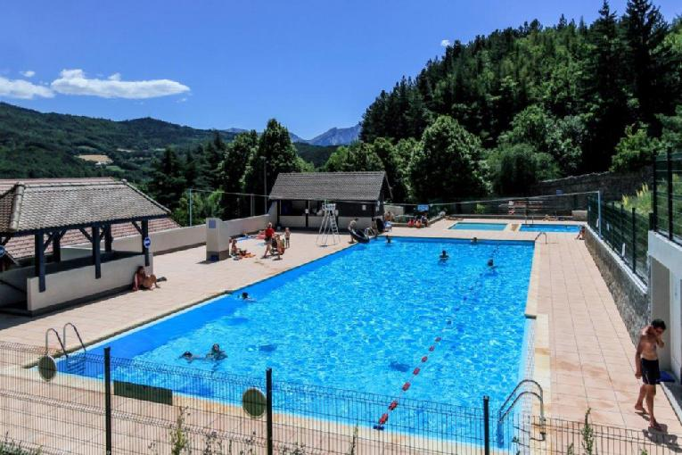 Site officiel de sidevar dans le parc national des ecrins for Piscine julien